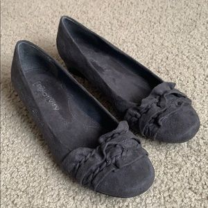 Relativity Gray Suede Flats Size 6.5